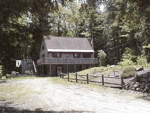 Madison vacation rentals 3 bedroom home eidelweiss for Madison cabin rentals