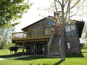 Cambridge vacation rentals sunsetview vacation lake home for Vacation rentals minneapolis mn